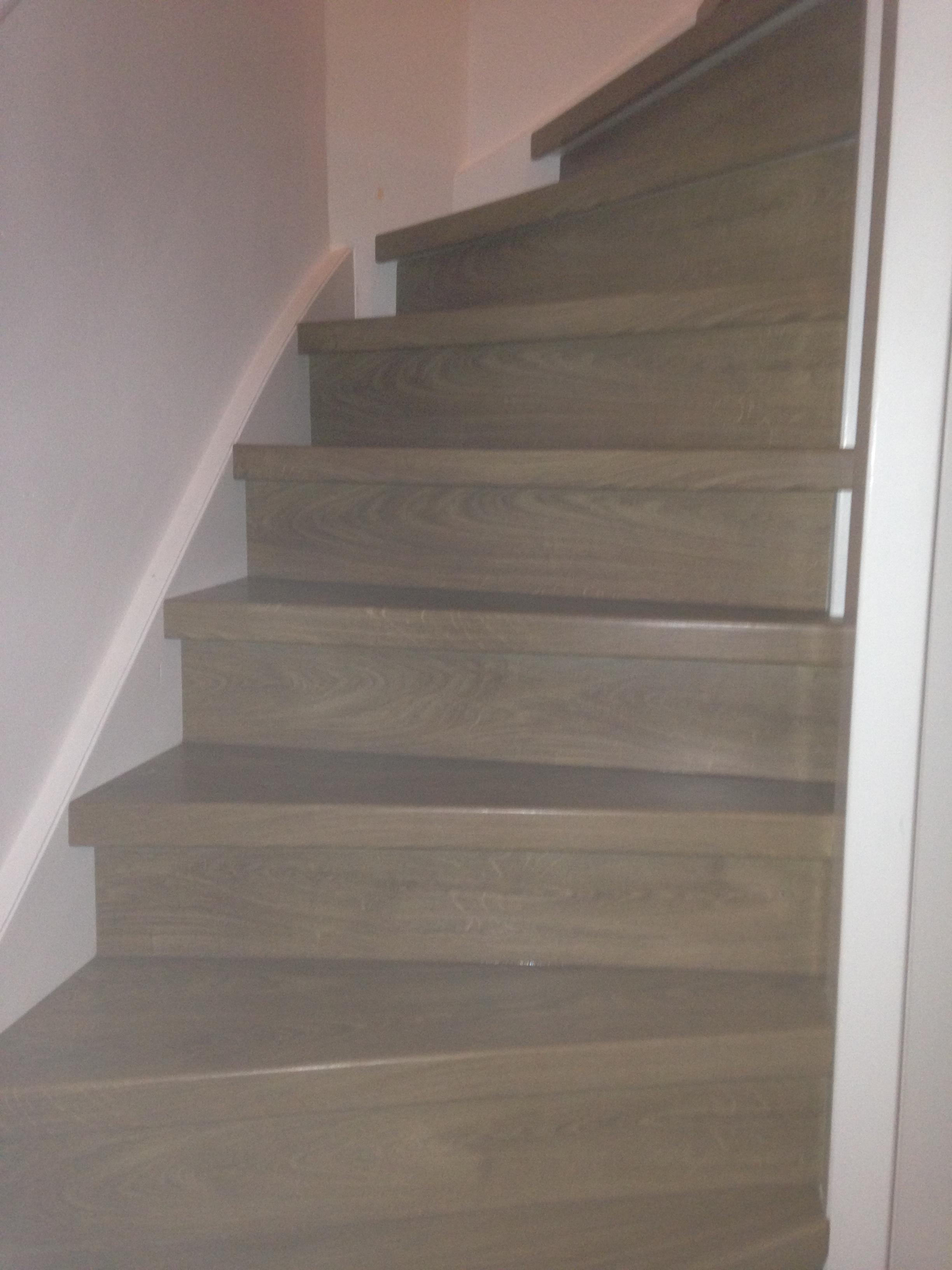 Houten vloeren inspiratie bij vloermarkt slaag je gegarandeerd - Aanpassen van een houten trap ...